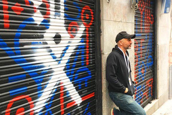 Graffiti en Pinta Malasaña, pintamos 3 puertas metalicas junto a otros artistas..
